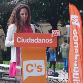 Sánchez aboga por tomar medidas para la conciliación familiar y laboral